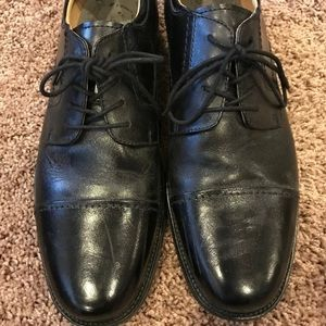 Chaps men dress shoe black 10.5 EUC